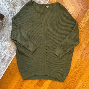 Charlotte Russe sweater 💚
